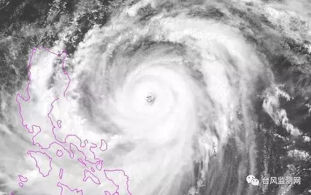 """超级台风""""山竹""""路线发生小的变化,正一步步逼近华南沿海"""