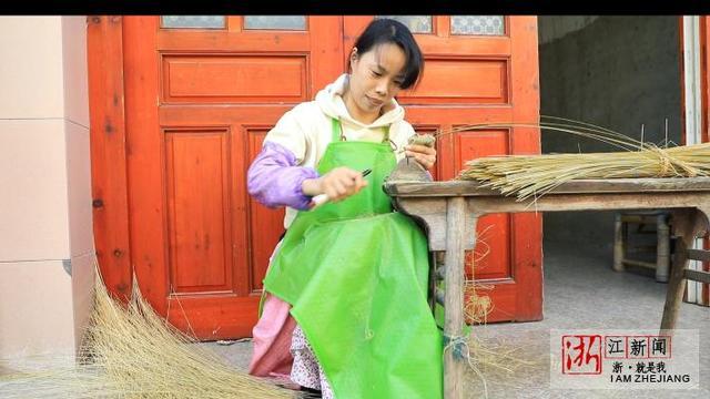 赚钱很光荣传承更重要!瑞安退休教师带农村妇女赚世界非遗的钱