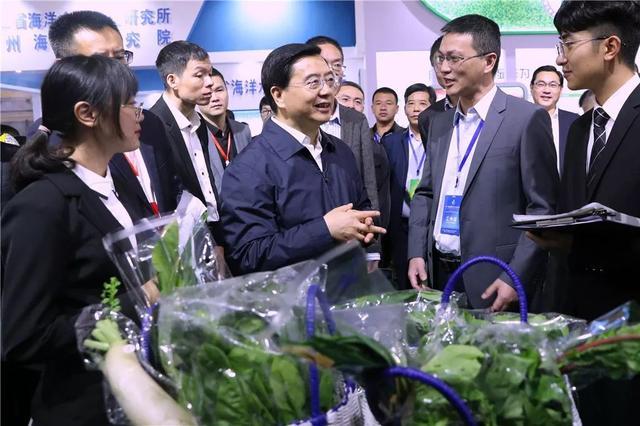 陈伟俊参观第八届温州特色农业博览会,以农业产业高质量发展助推乡村振兴