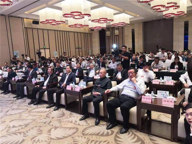 内蒙古兴安盟:袁隆平工作站改造盐碱地种植水稻亩产达到588.8公斤