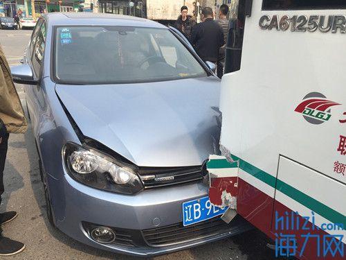两车相撞两人放假深圳小学骨折图片