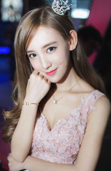 chinajoy showgirl头牌李玉洁 李玉洁daisy微博个人资料(2)