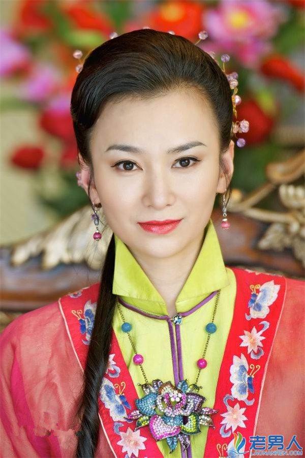 2013年出演了《天天有喜》,《刘海戏金蟾》和《新济公活佛》3部古装图片