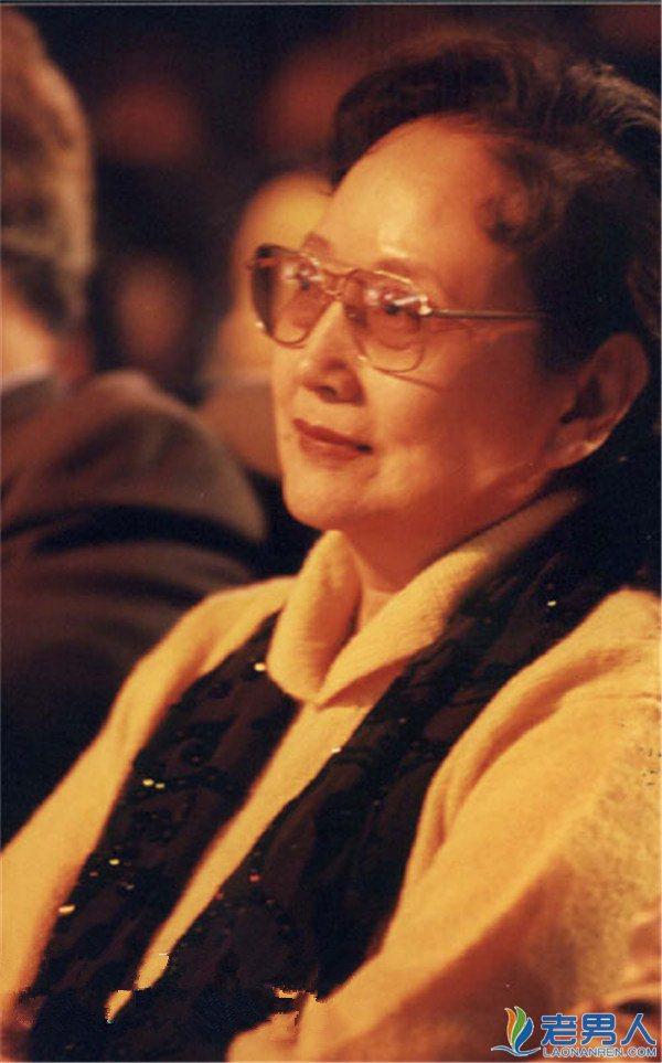 王晓棠逝世追悼会遭热搜 王晓棠有几任丈夫女