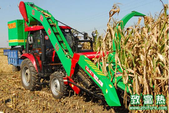 玉米收割机的冬季保养