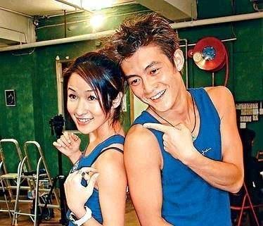 绯闻_在同年2001年陈冠希有搞定了萧亚轩,绯闻相片也被表暴露来.