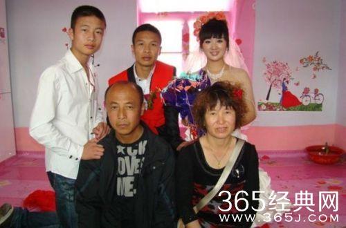 网友们看了二龙湖浩哥网络电影《四平青年》后都觉得二龙湖浩哥演员
