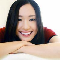 甜美笑容的女生头像