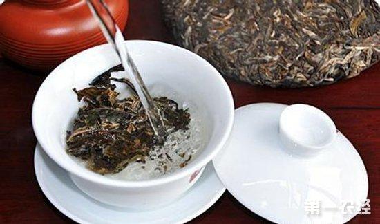 过程中是很精细的,质量好的白茶干净,可以直接冲泡的,白茶是不需要洗