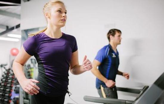 跑步机跑步什么时间好,跑步机最佳跑步时间,跑步机什么时候跑最好