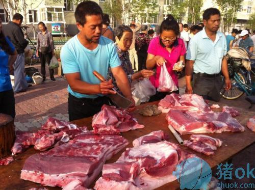 黑山猪肉贩不慎割伤买肉人手指 赔款1000多元