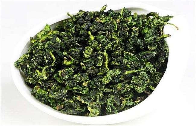 发酵后茶叶会变成红色,乌龙茶介于红茶和绿茶之间,像乌龙茶的常见品种图片