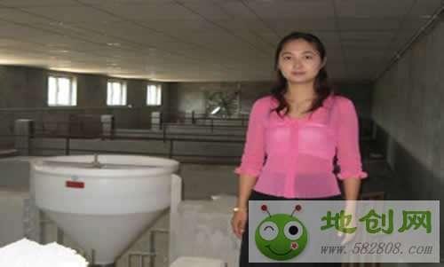 湖北荆门吴渝婷:因一个电话返乡创业当起猪倌
