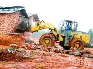 养猪人可以在自己承包地里建猪场?禁养恐有难度!