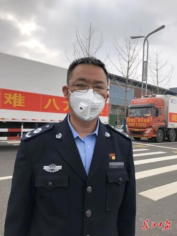 50小时,2000公里,西藏30吨藏香猪肉抵达武汉