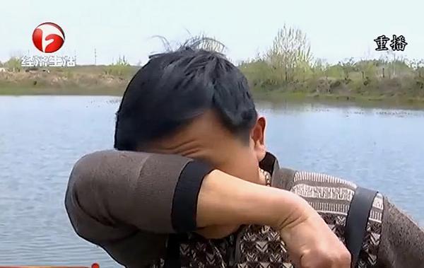安徽六安东桥镇小龙虾大量死亡,养殖户怀疑有人投毒,真相究竟如何?